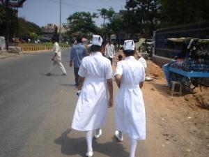 O constraste sanitário das enfermeiras com o ambiente